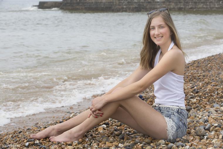 A képen a 15 éves Rhianna Clavering látható