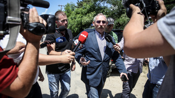 Pintér Sándornak megadtak 55 millió forintot