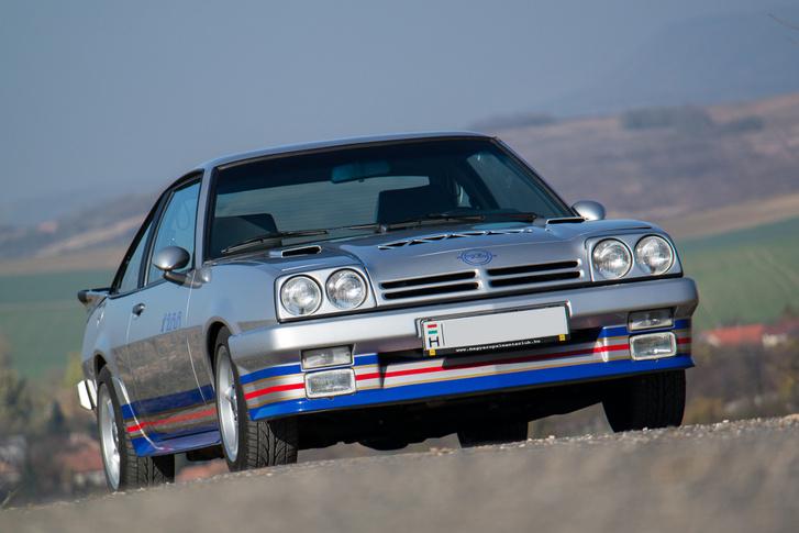 Opel Manta 400i