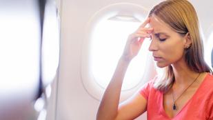 Itt a magyarázat a repülés alatti fejfájásra és gyomorbántalmakra!