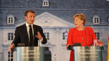 Merkel és Macron támogatja az EU-n kívüli menedékjogi központokat