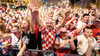 A horvát szurkolók egy része a csapat bukásáért szorít