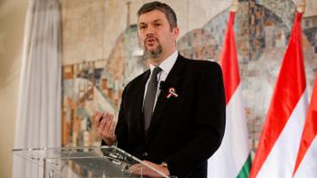 Hadházy mától gyűjti az aláírásokat az Európai Ügyészségért