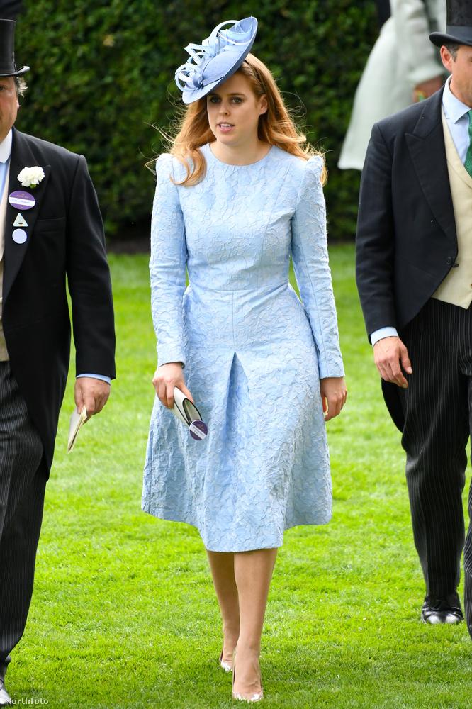 Beatrix hercegnő például az élen jár a furcsa kalapok bemutatásában