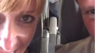 Meleg szex a repülőgépen