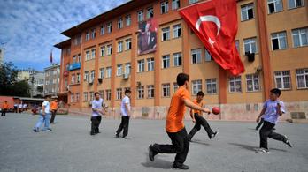 A török iskolákban nem lesz több házifeladat