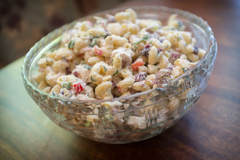 Színes, ízes, majonézes tésztasaláta friss zöldségekkel - Hidegen még jobb