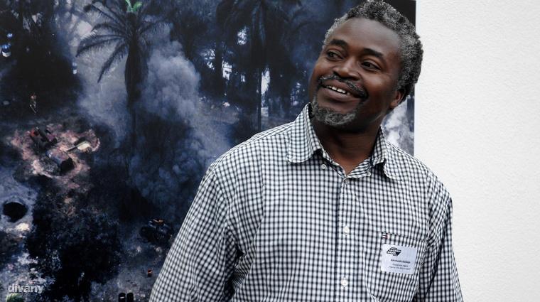 Személyesen mutatta be képeit Akintunde Akinleye, a Reuters egyik fotósa, aki 2007-ben World Press Photo díjat nyert.