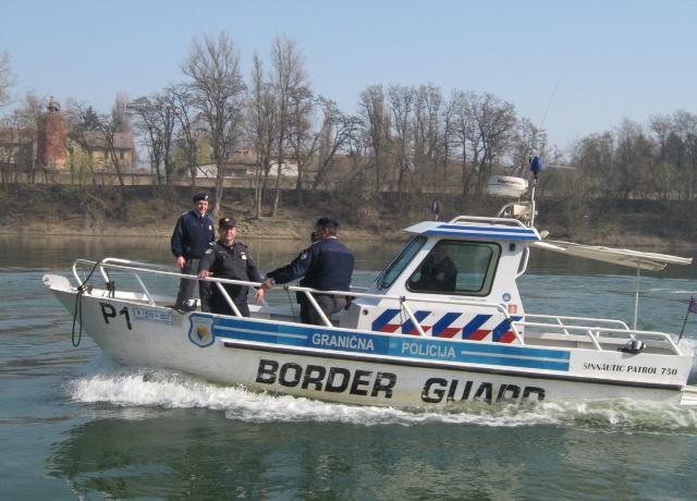 Border police bosnia 640