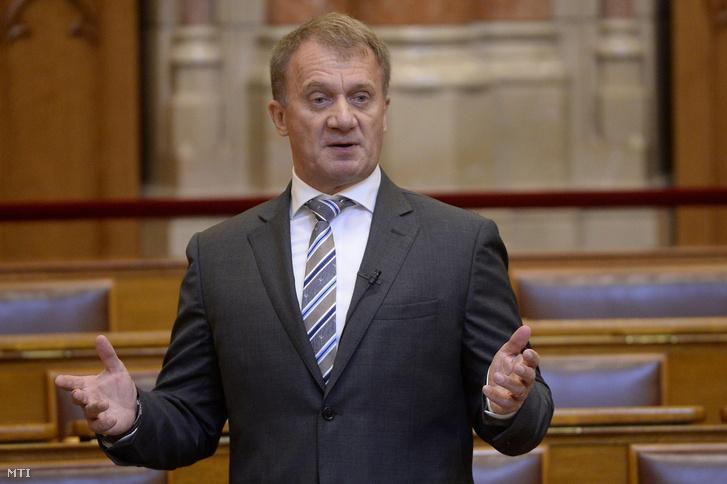 Varju László