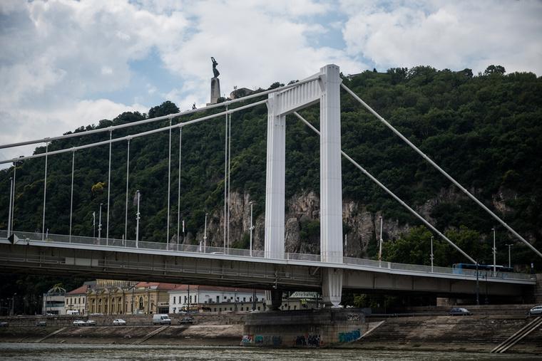 Budapest száguldozás közben is gyönyörű