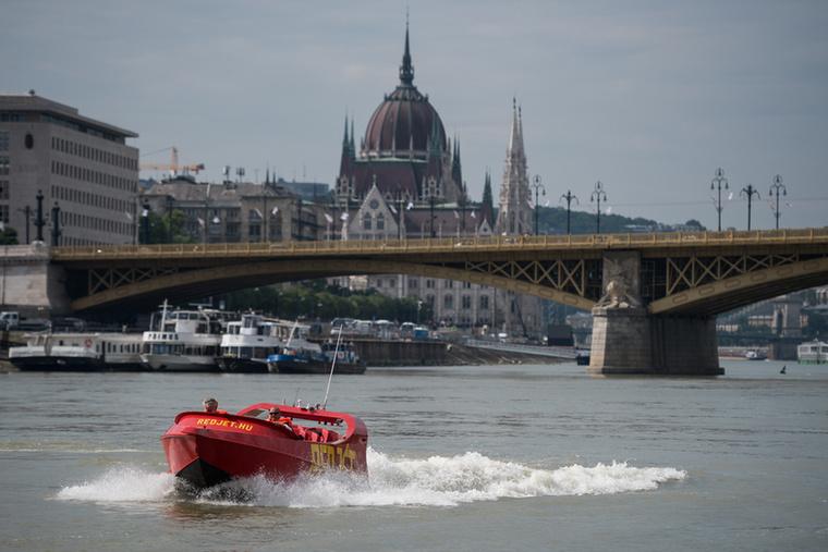 Május 30-án érkezett a hajó Magyarországra.
