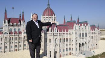 Előzetesbe kerülhet a Mini Hungary Park miatt a Délmagyar volt főszerkesztője