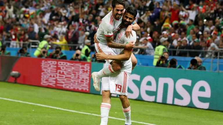 Mázlis góllal szenvedték ki a spanyolok