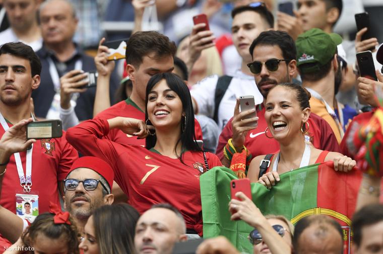 Az itt látható képek a Portugália-Marokkó meccsen készültek, ami 1-0-ra végződött.