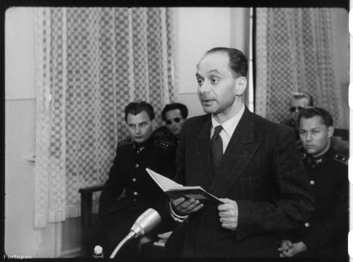Gimes Miklós vádlott az utolsó szó jogán nyilatkozik a Nagy Imre és társai elleni perben. Filmkockák a tárgyaláson készült felvételből.
