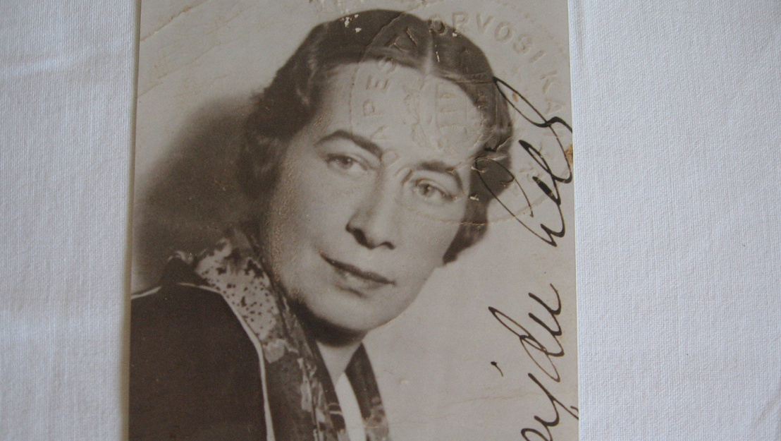 4-HajduLilly-orvosikamara1930k