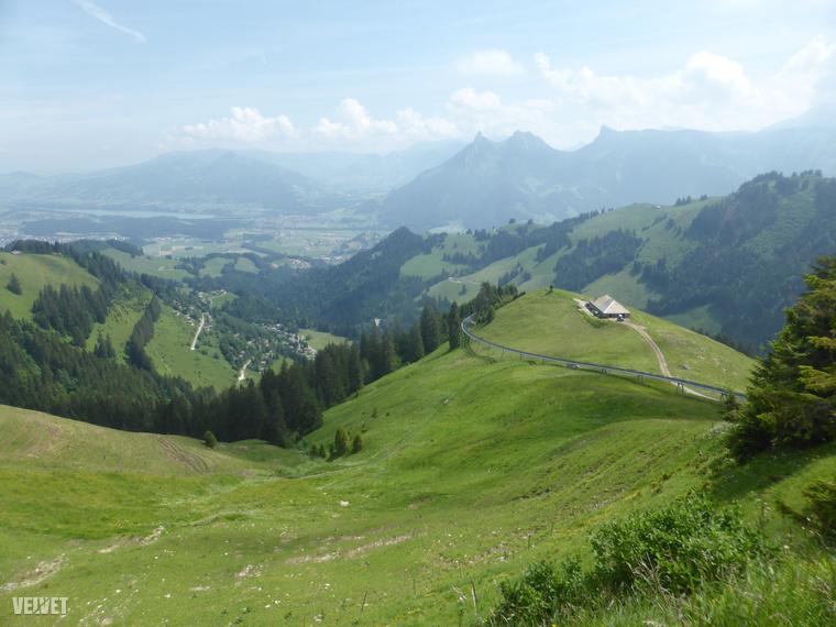Svájc nyugati részén van egy német-francia nyelvű kanton, Freiburg-Fribourg