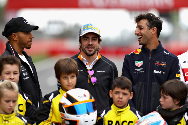 Hamilton, Alonso és Ricciardo különös pilótaháromszögben