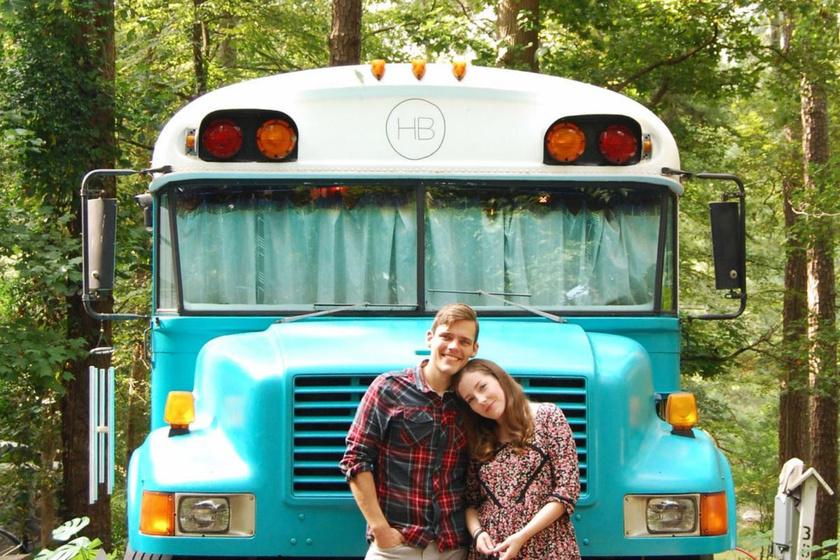 Iskolabuszból álomotthont teremtettek: alig 18 négyzetméter, de azonnal beköltöznénk