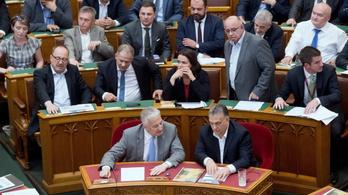 Európai Bizottság Magyarországról: nem fordíthatunk hátat az értékeinknek