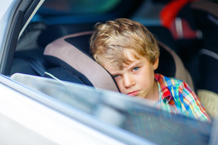 Ha nem bírja az autót a gyerek: az utazási betegséget lehet enyhíteni
