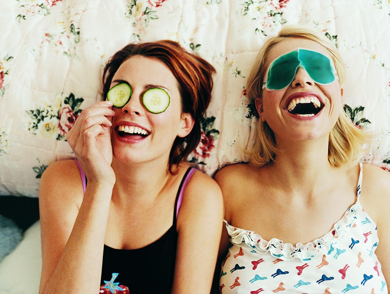 barátnők arcpakolás kozmetika