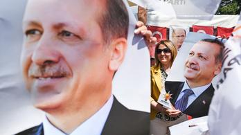 Célba ér Erdoğan illiberális demokráciája?