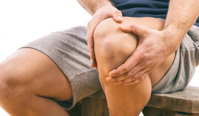 fájdalom a lábcsontokban és a kézízületekben