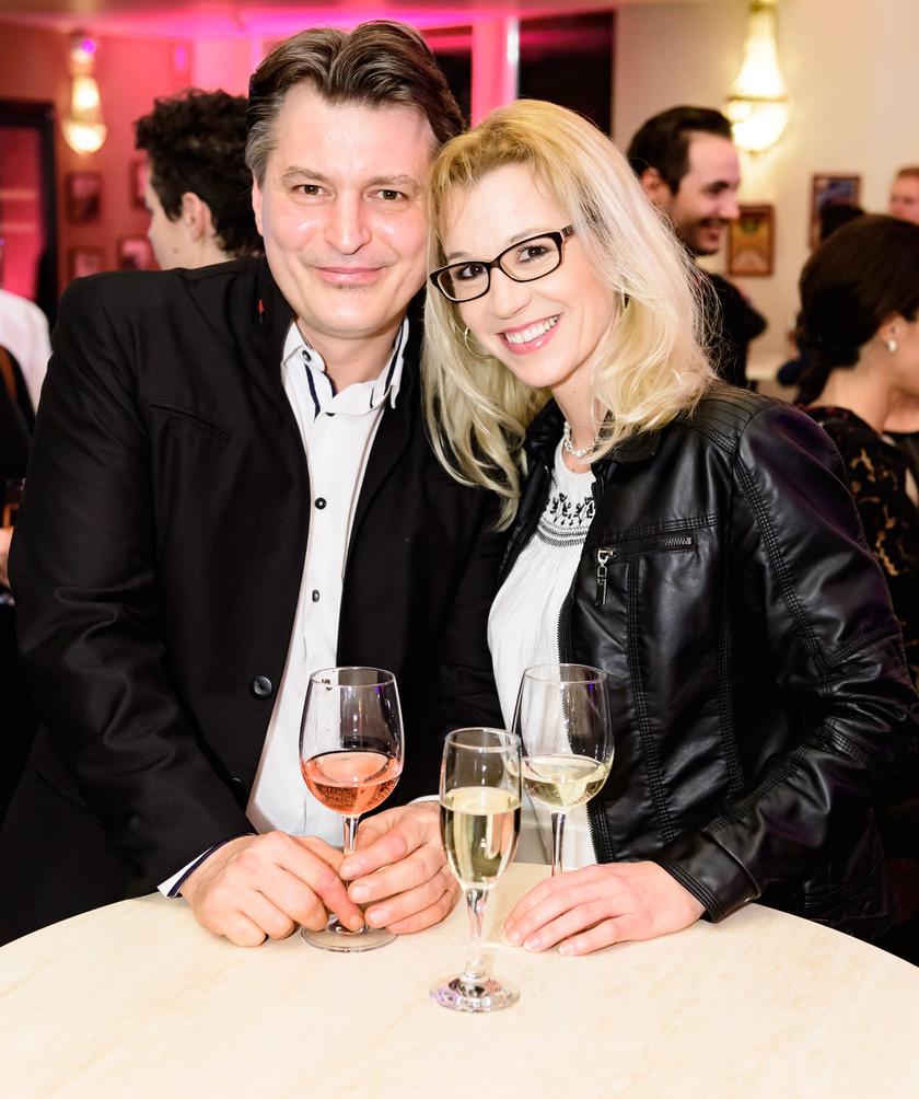 Homonnay Zsolt és párja, Anita a Macskadémon premierjén idén márciusban.