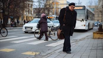 Kecskemét a közvilágítási botrány után átépít gyalogátkelőhelyeket