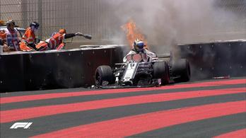 Falnak csapódott, kigyulladt az egyik Sauber a francia szabadedzésen