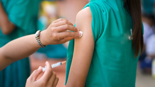 HPV-oltás: mire jó, és miért félnek tőle annyira a szülők?