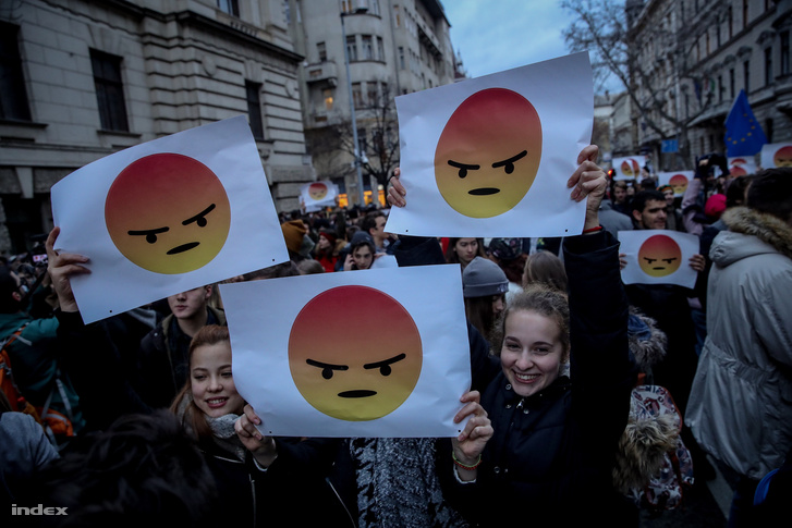 Vannak elégedetlen fiatalok