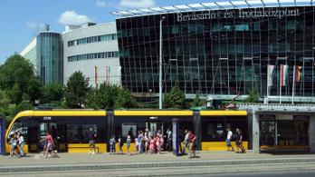 Felújítás lesz nyár végéig az 1-es villamos vonalán, az autósokat is érinti