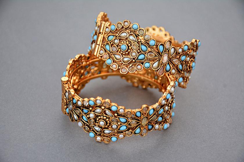 A valódi aranyat nem vonzza a mágnes: ezzel a trükkel egyszerűen tesztelheted az adott ékszert.