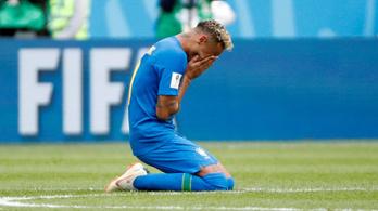 Neymar esernyőzött, gólt lőtt, aztán sírva fakadt