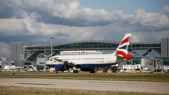 Több tízezer munkahelyet vihetnek el az Egyesült Királyságból