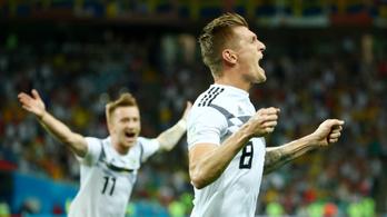 10 emberrel, a meccs utolsó lövésével fordítottak a németek