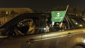Újra vezethetnek a nők Szaúd-Arábiában