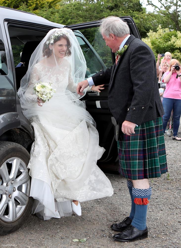 Íme a menyasszony!