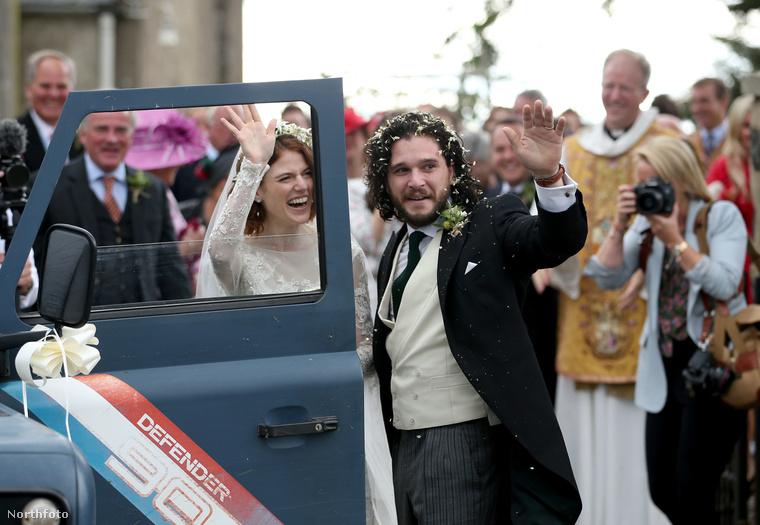 Sok boldogságot Kit Harringtonnak és Rose Leslie-nek, és akkor innentől kezdve már tényleg minden szem Sophie Turneren!