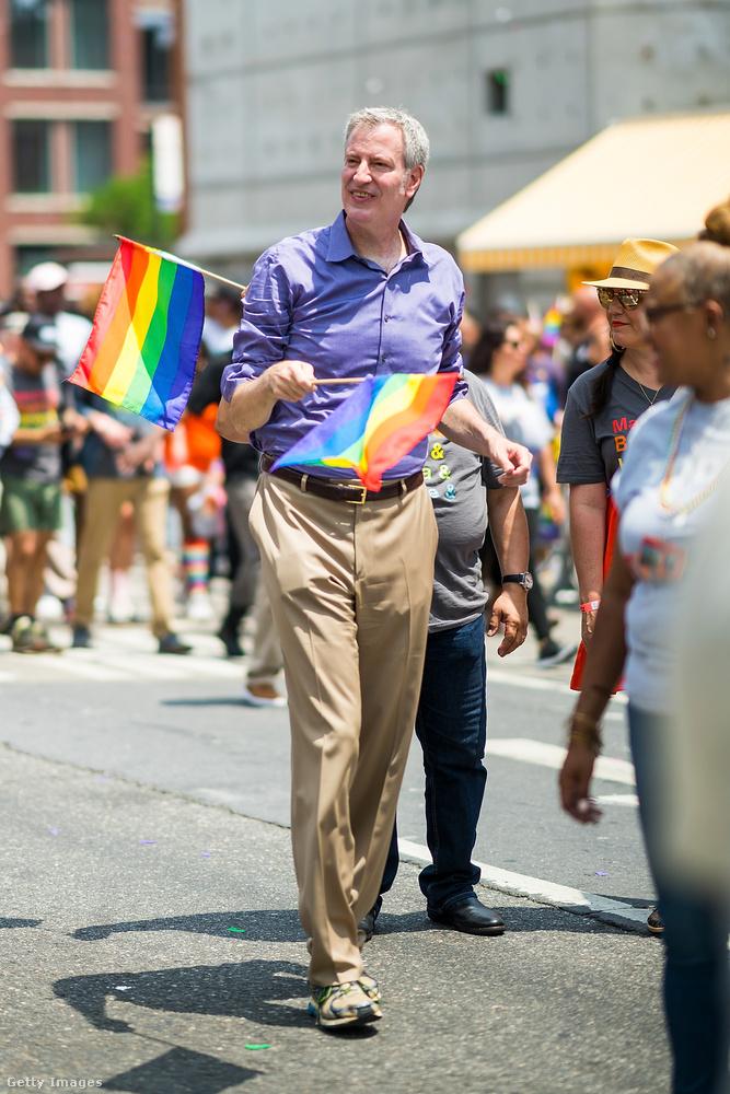 Ő Bill de Blasio, New York polgármestere.
