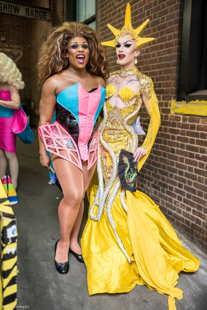 Ők a RuPaul's Drag Race tavalyi évadának két döntőse, Peppermint, illetve a győztes Sasha Velour