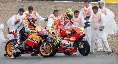 Rossi-Stoner-crash-Jerez-635x343