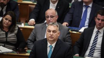 A Jobbik frakcióvezetője Orbán nadrágján poénkodott