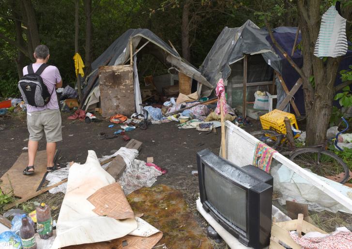 A feldúlt tábor