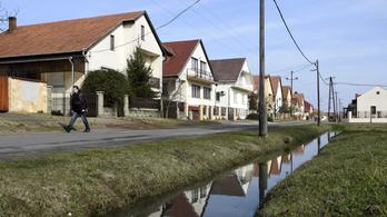 Családi házak felújítására adták az uniós pénzt, a kormány elverte másra
