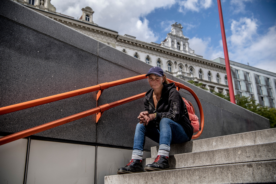Anita naponta 20-30 eurót tud összeszedni kéregetéssel.