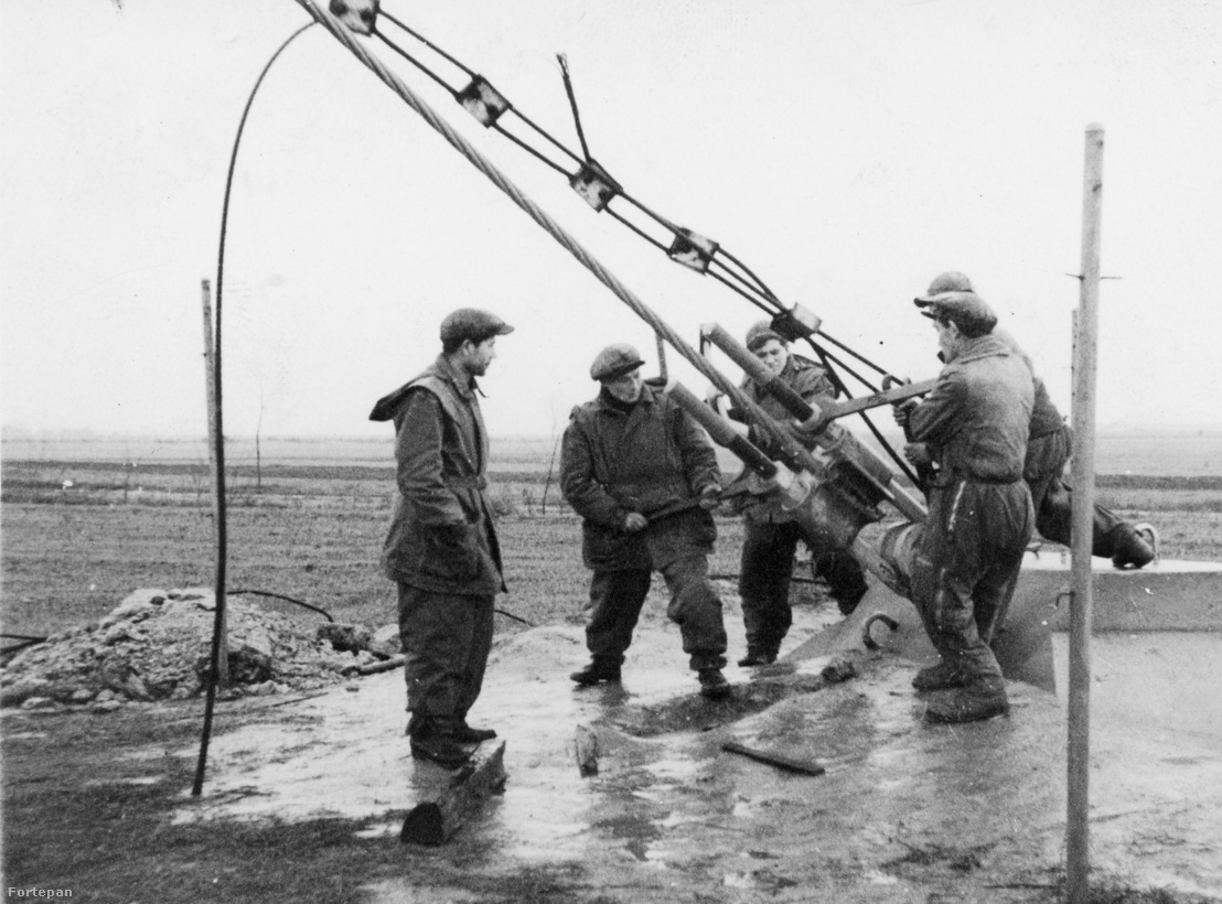 Az antennatorony újjáépítése, tartókötelek rögzítése 1946-ban